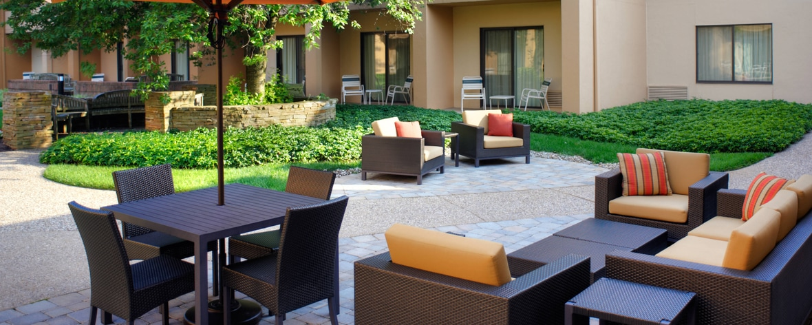Lexington, KY, Hotel Patio