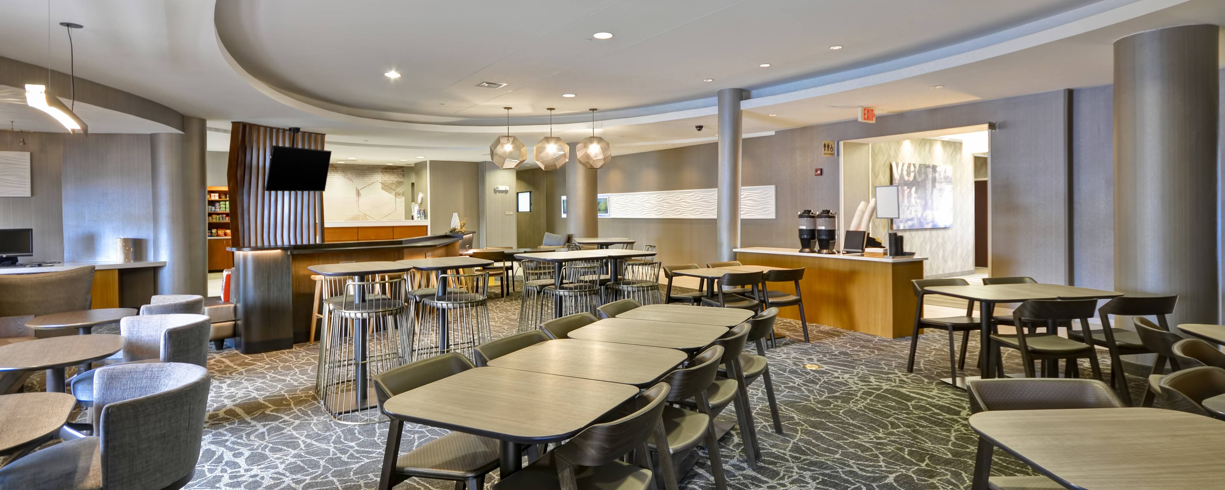 hotels in lexington ky with free breakfast springhill. Black Bedroom Furniture Sets. Home Design Ideas