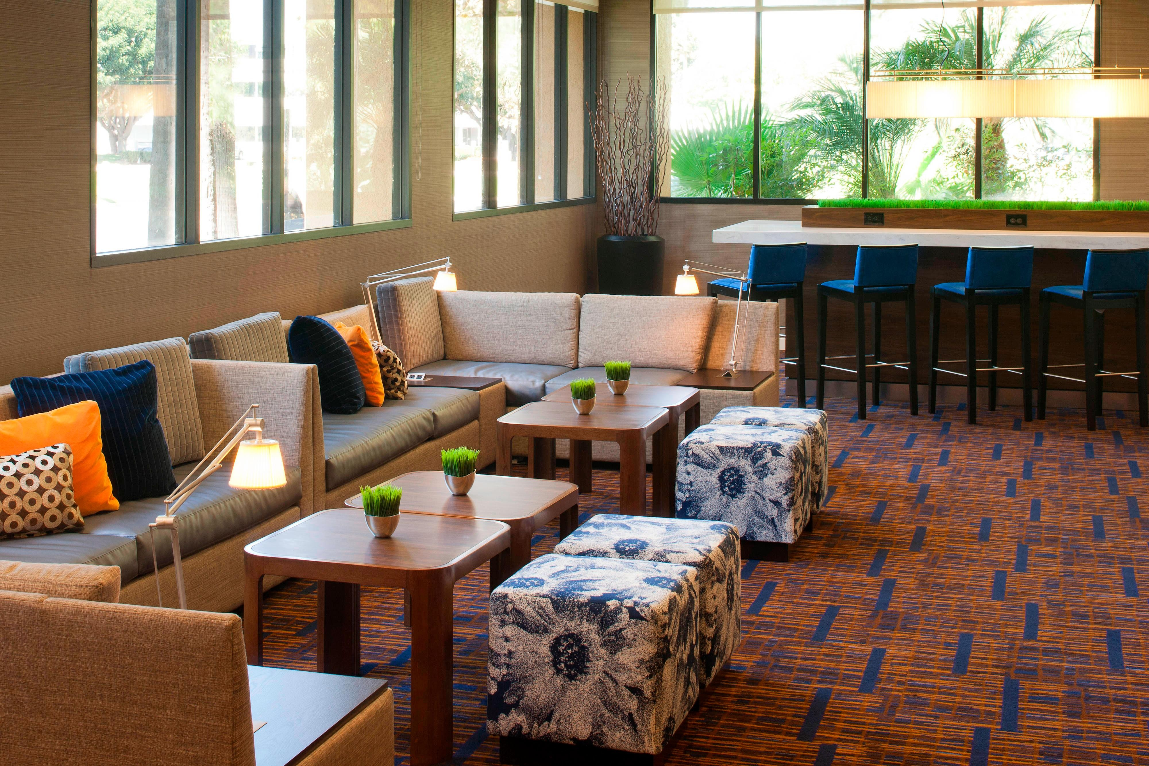 Lobby Seating - Cypress CA hotels