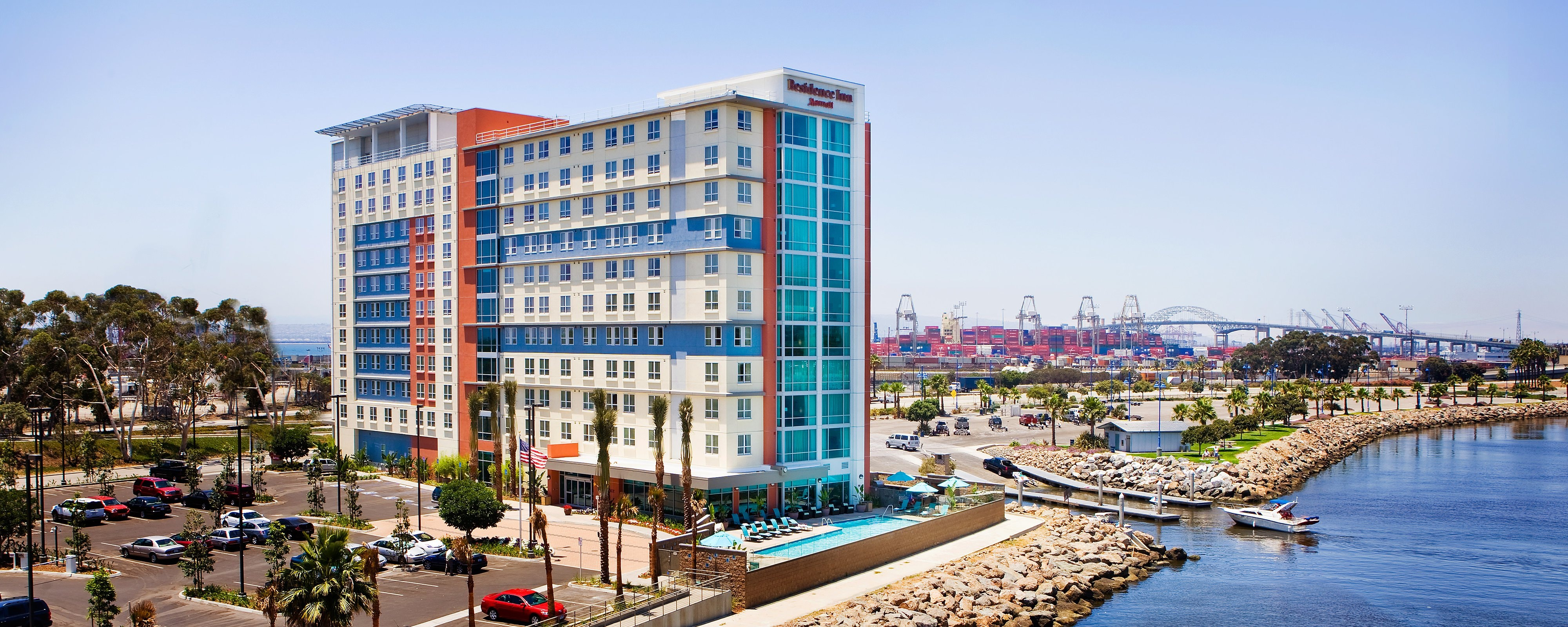 Suites And Hotel Rooms In Long Beach, CA