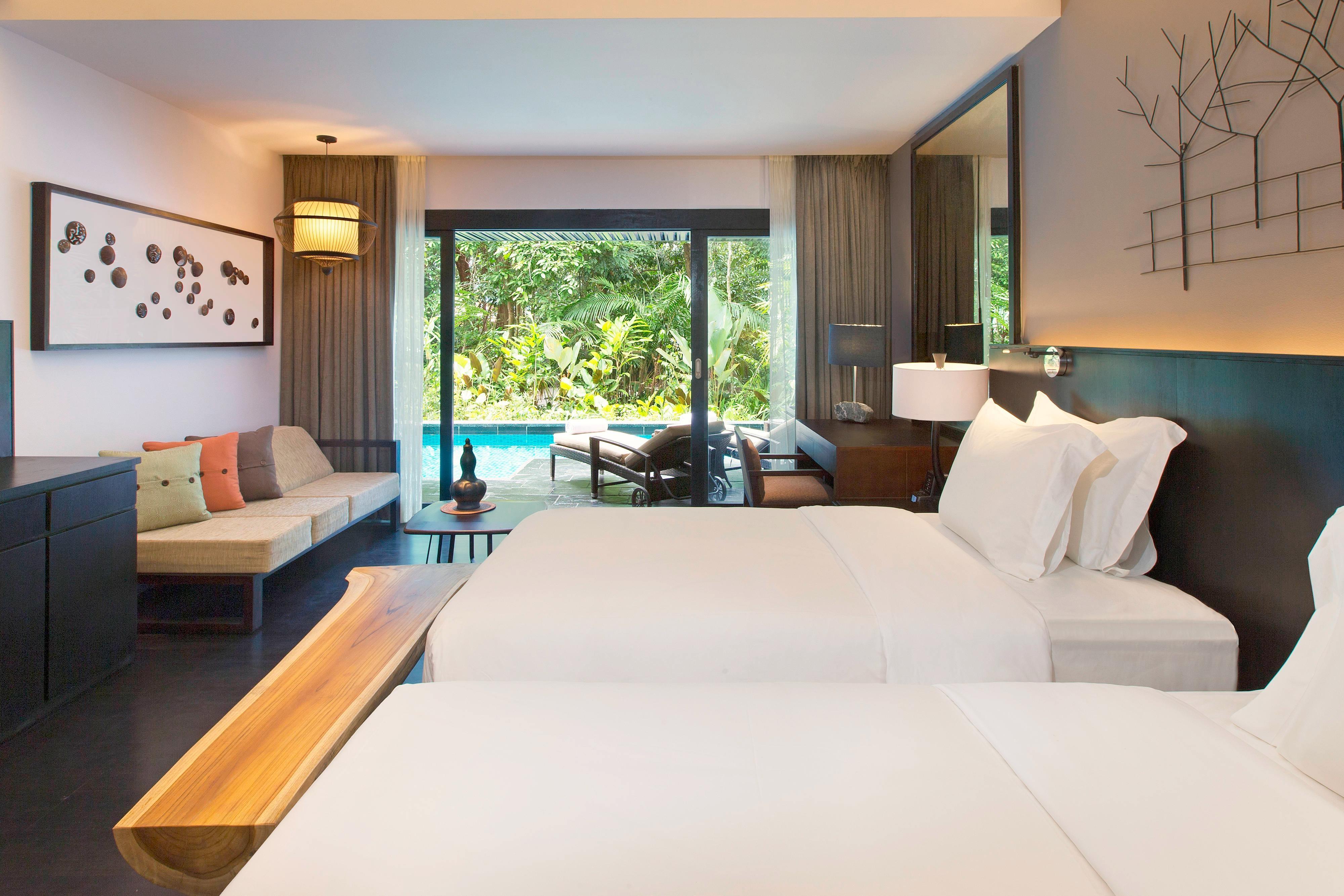 Luxury Pool Access Room