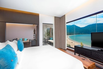 Executive Sea View Suite - Master Bedroom