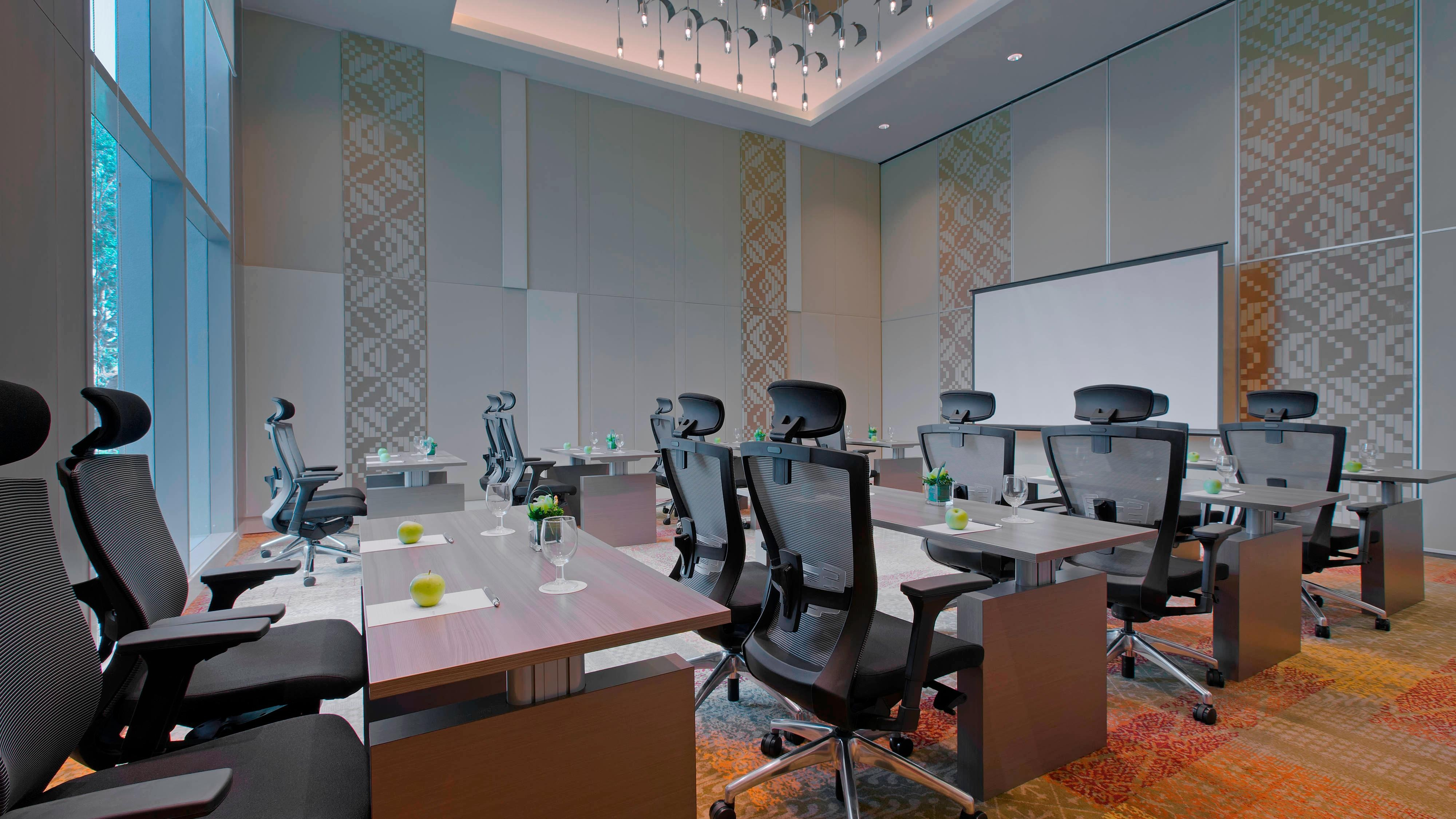 Breakout Room - Bumbon - Classroom Style