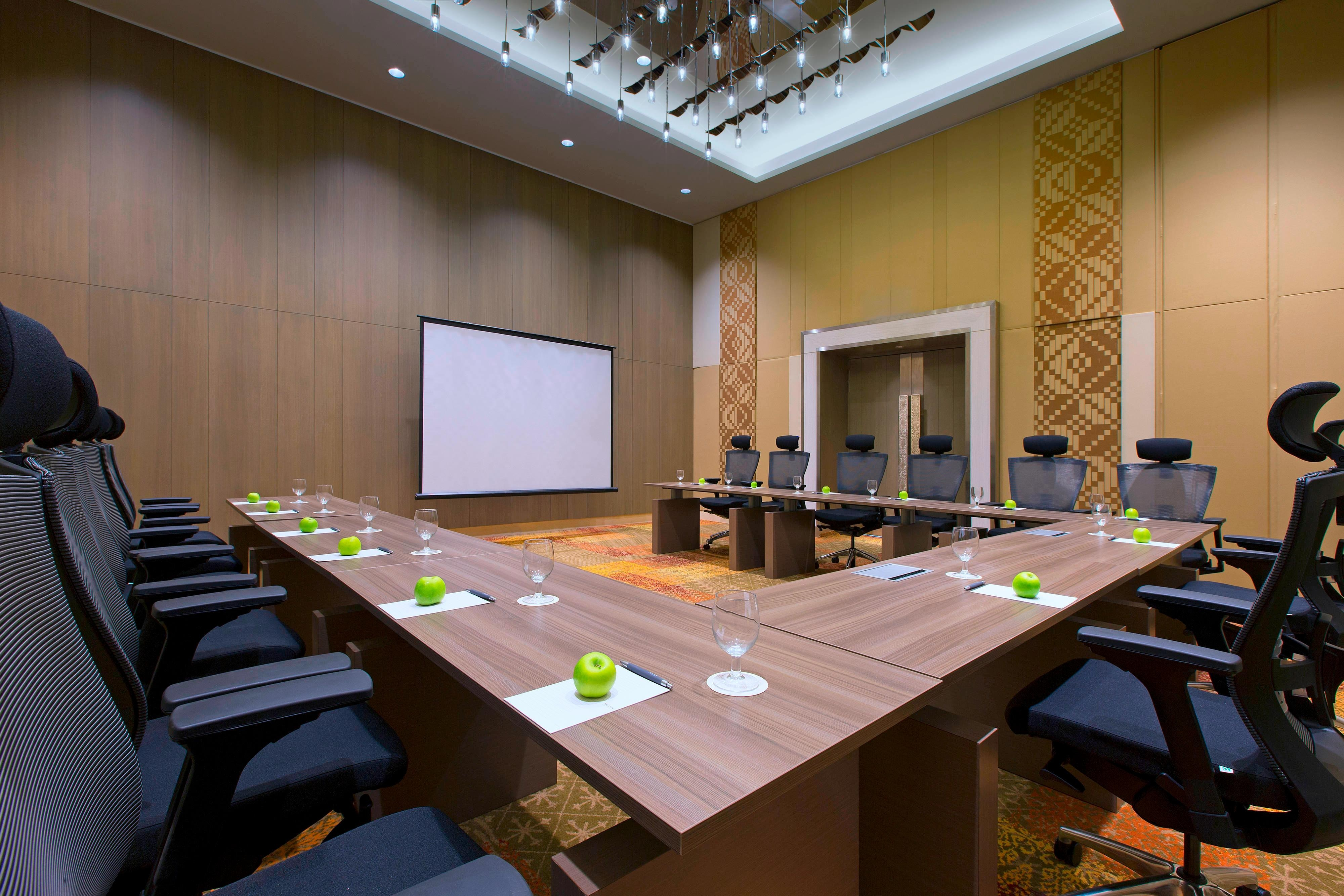Breakout Room - Payar - U-Shape Meeting