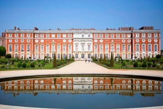 Palácio Hampton Court perto do hotel