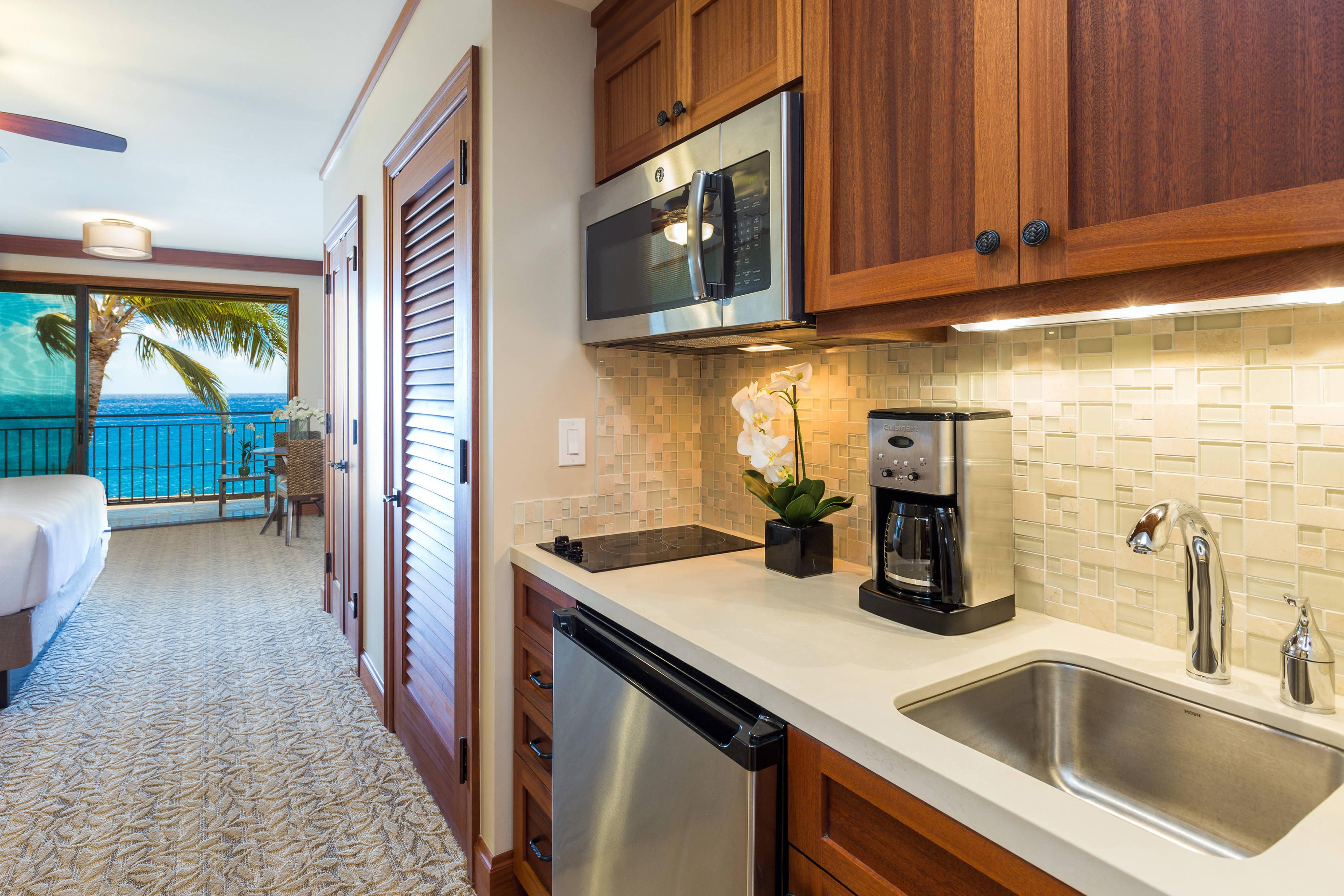 Deluxe Studio - Ocean View Kitchenette