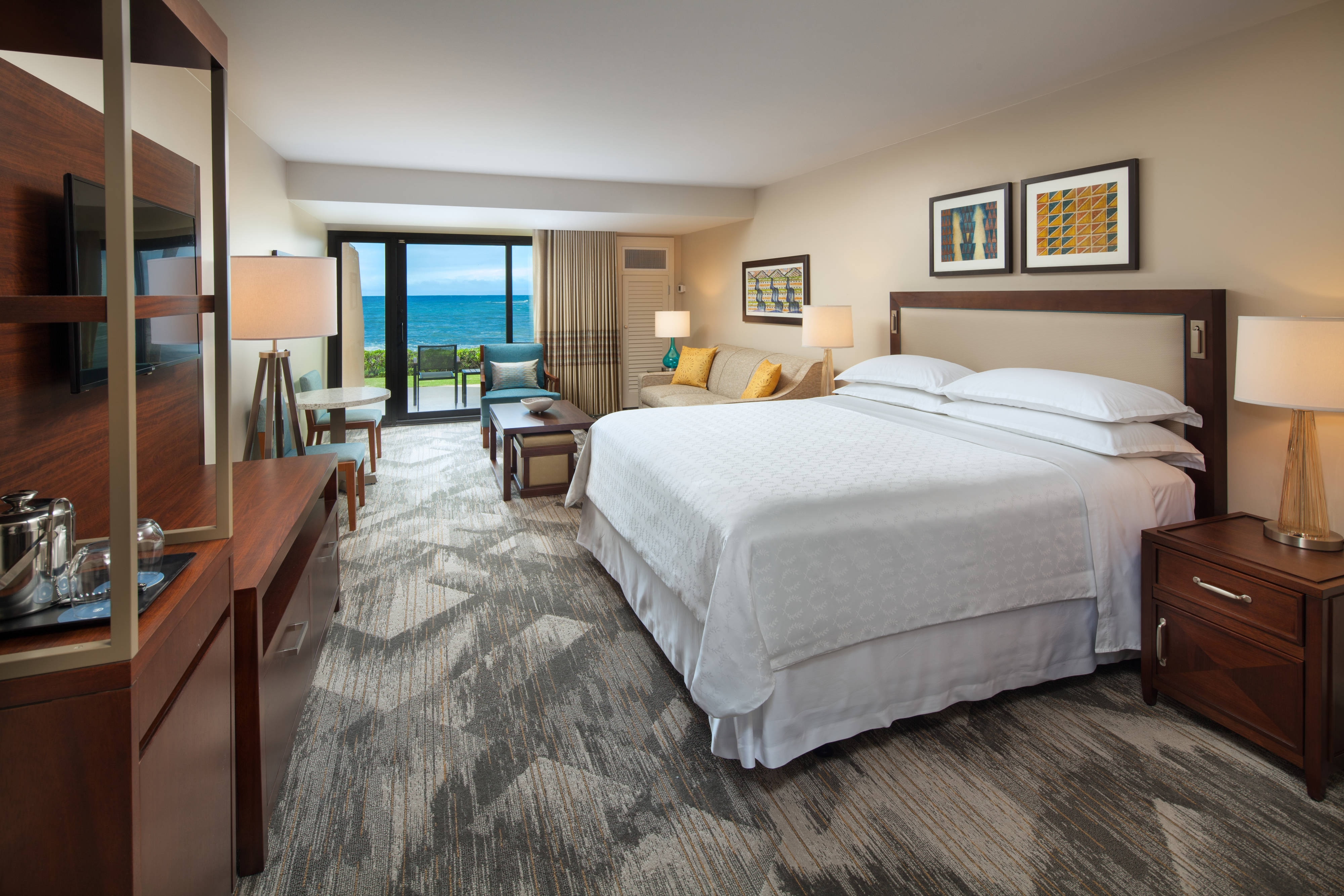 King Luxury Ocean Guest Room