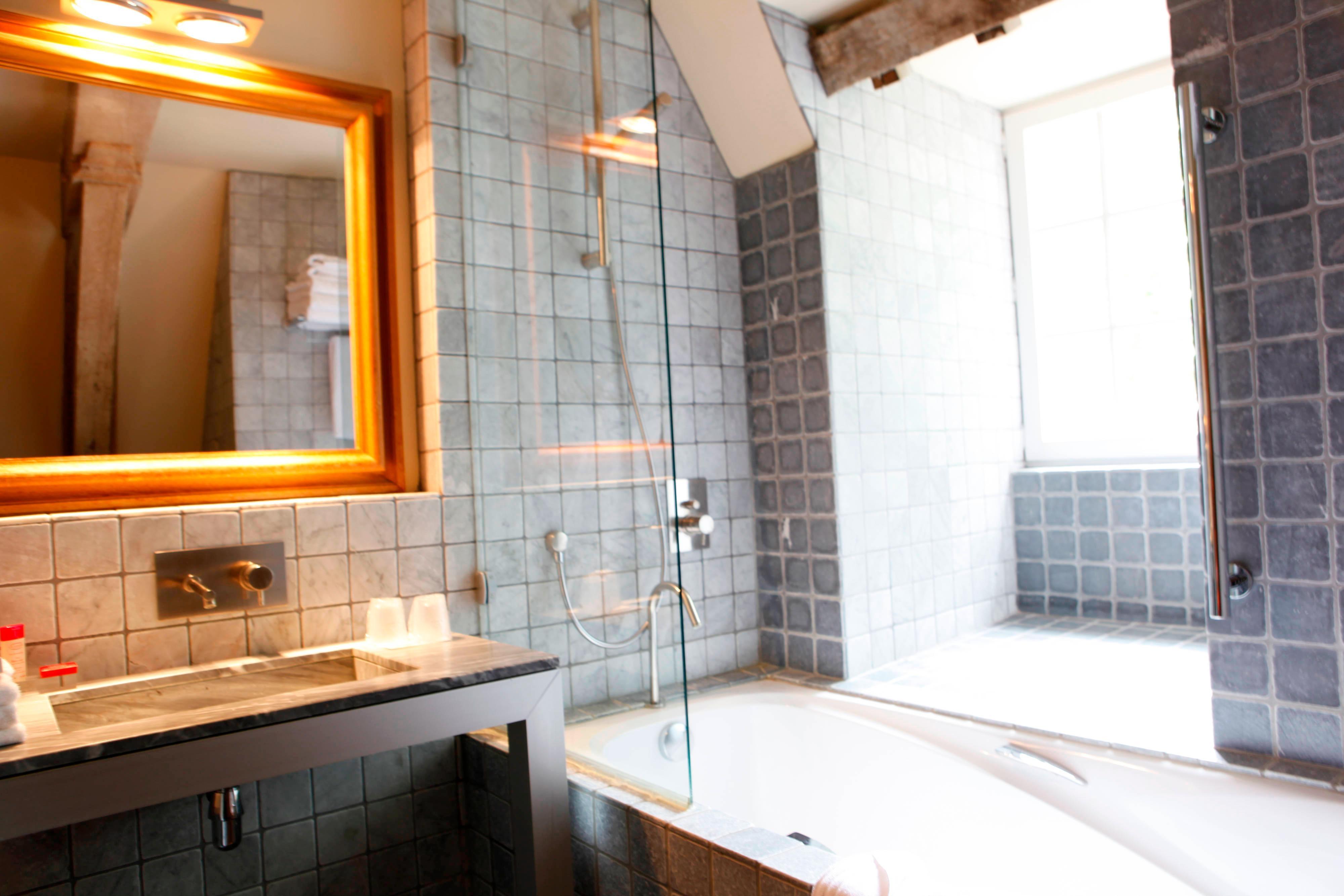 Salle de bains de l'hôtel Hermitage Gantois, à Lille