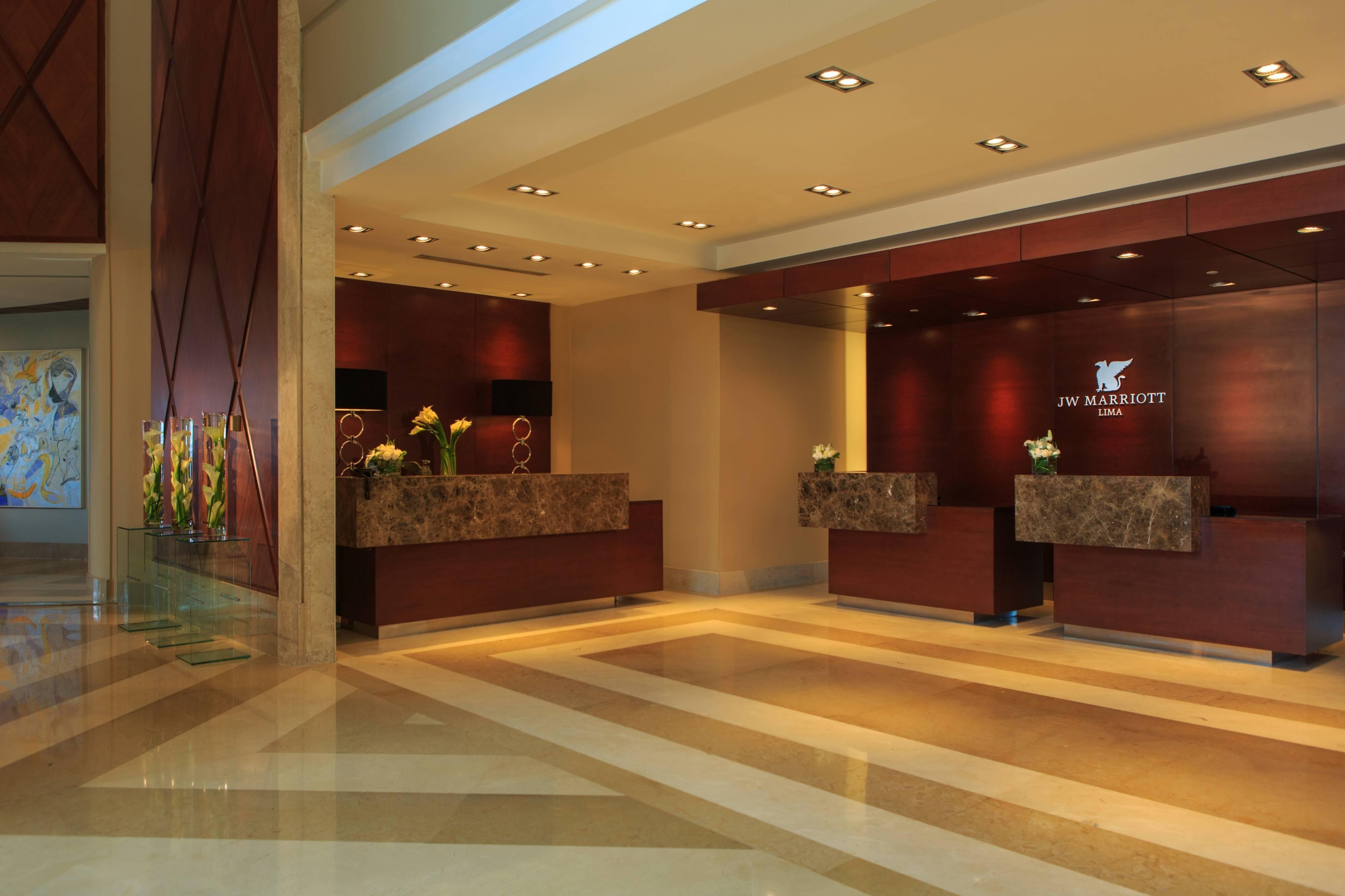 Recepção do hotel de Lima