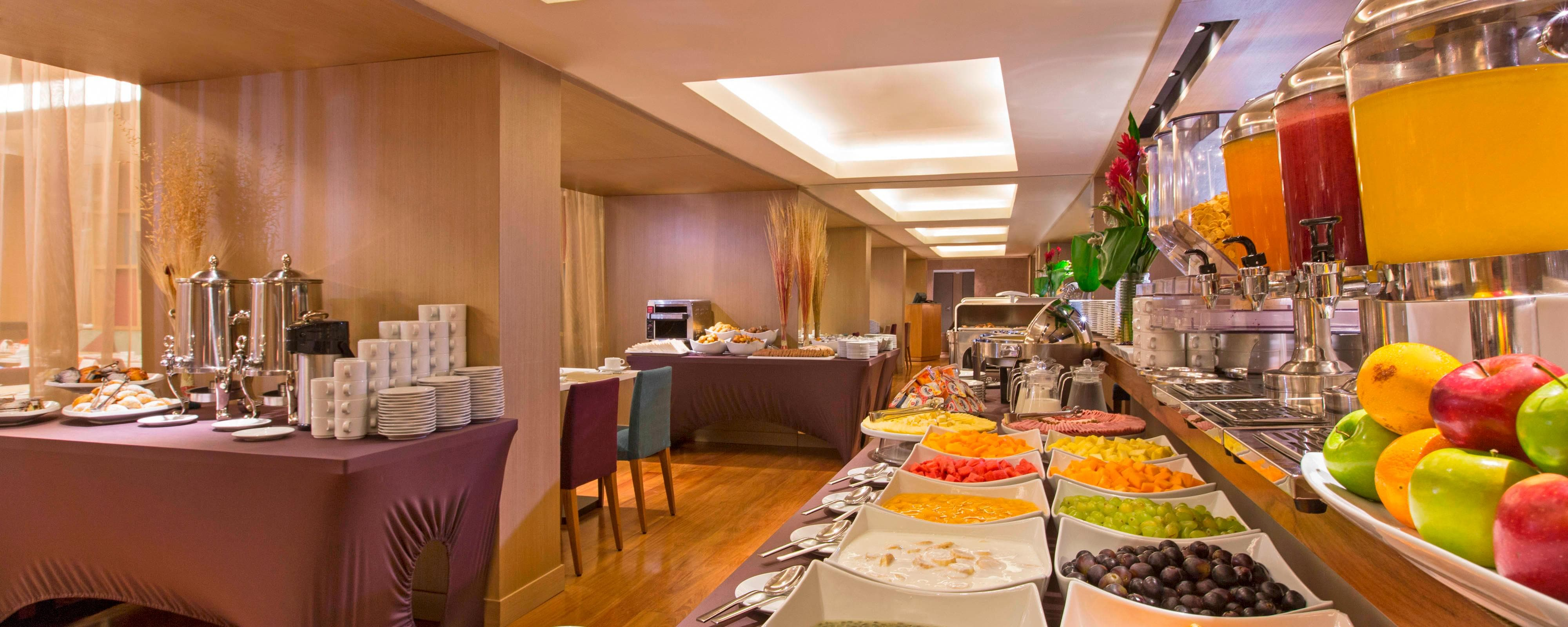Remarkable Hotels With Free Breakfast In Miraflores Four Points By Home Interior And Landscaping Palasignezvosmurscom
