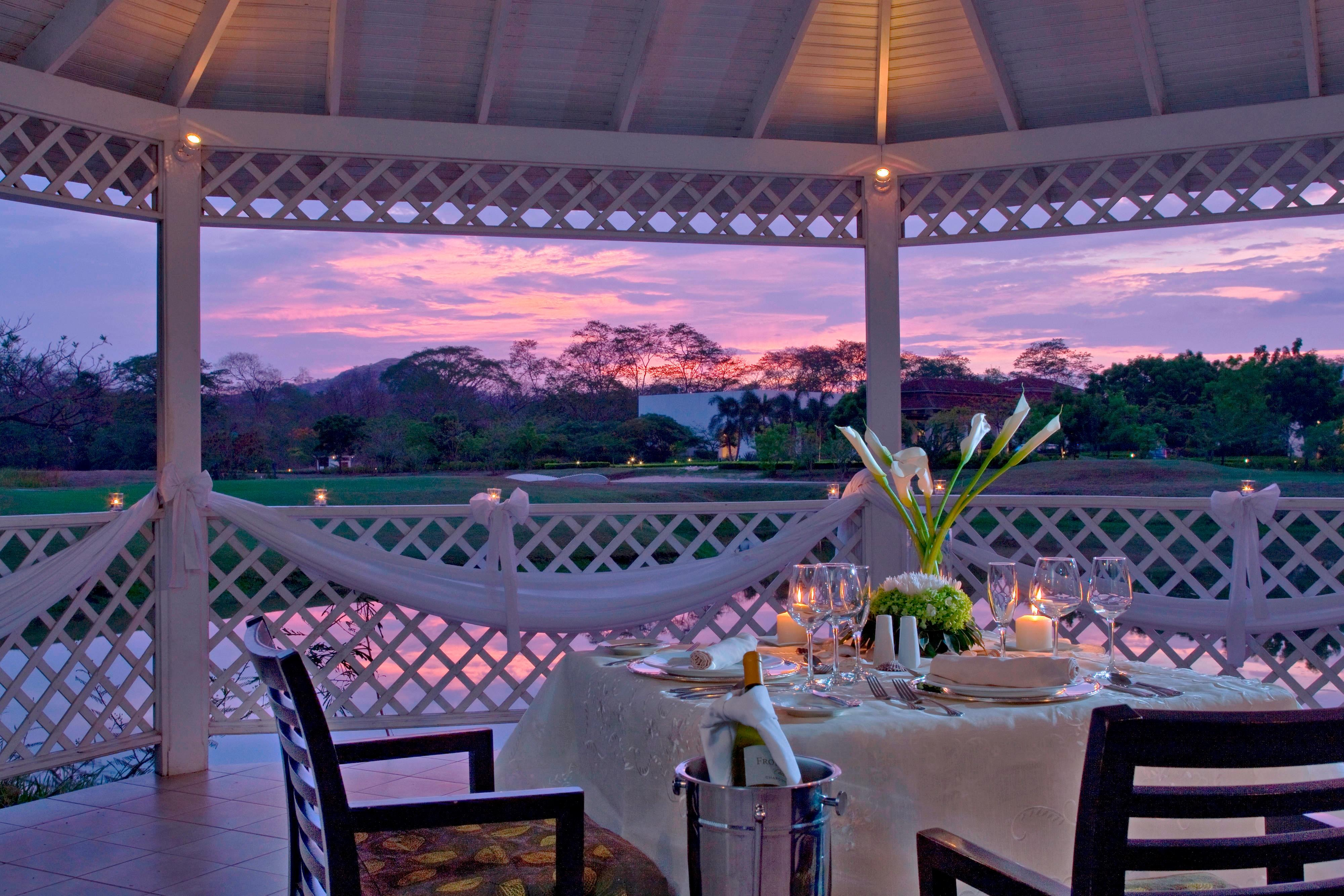 Gazebo - romantic Dinner