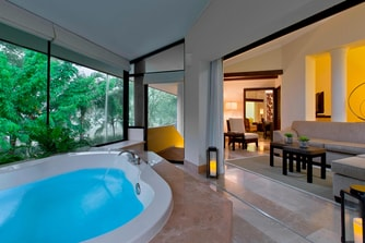 Royal Beach Villa Suite