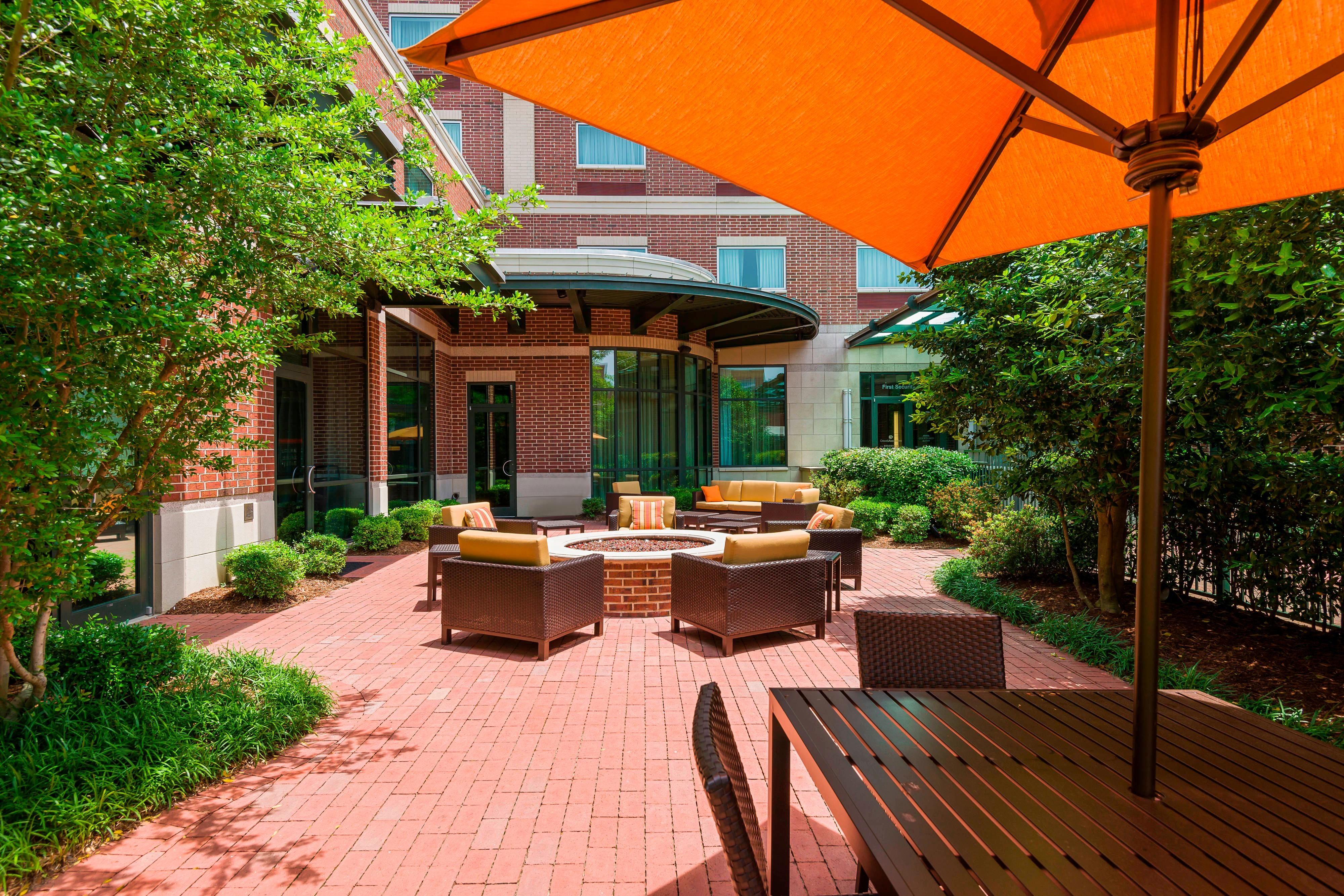 hotel patio in little rock