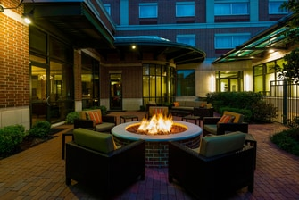 little rock hotel patio
