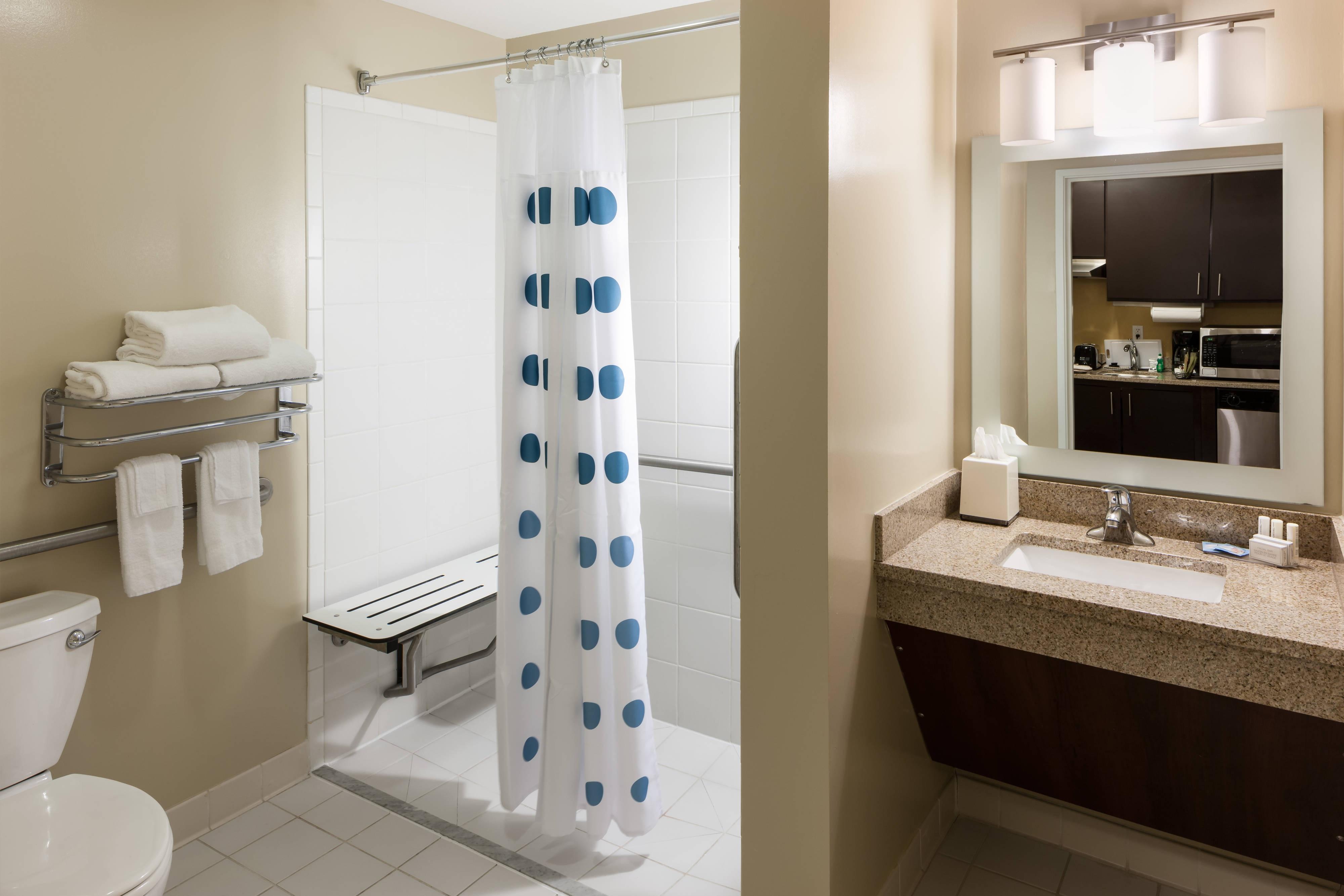 Bagno della suite accessibile ai disabili