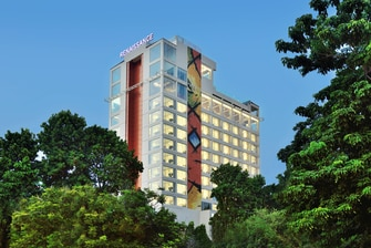 5 star hotels in Lucknow