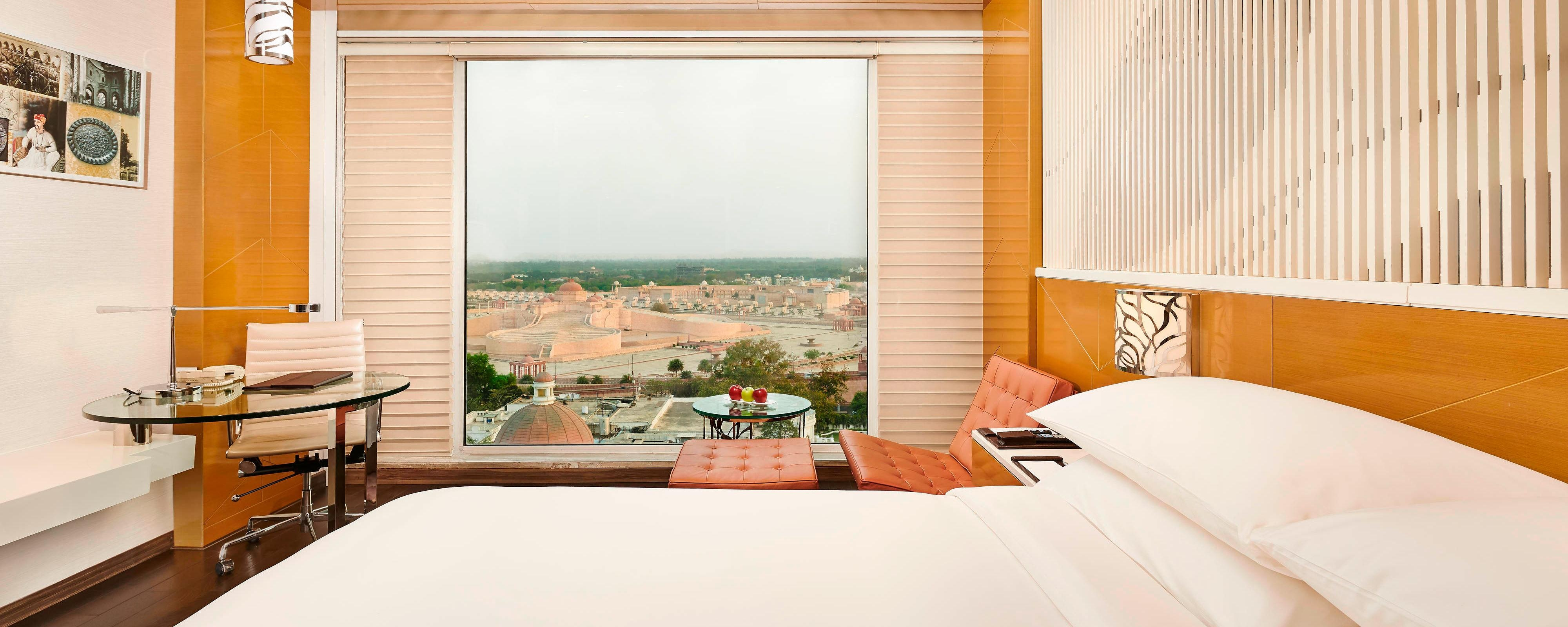 4 Star Hotel In Lucknow India Renaissance Lucknow Hotel