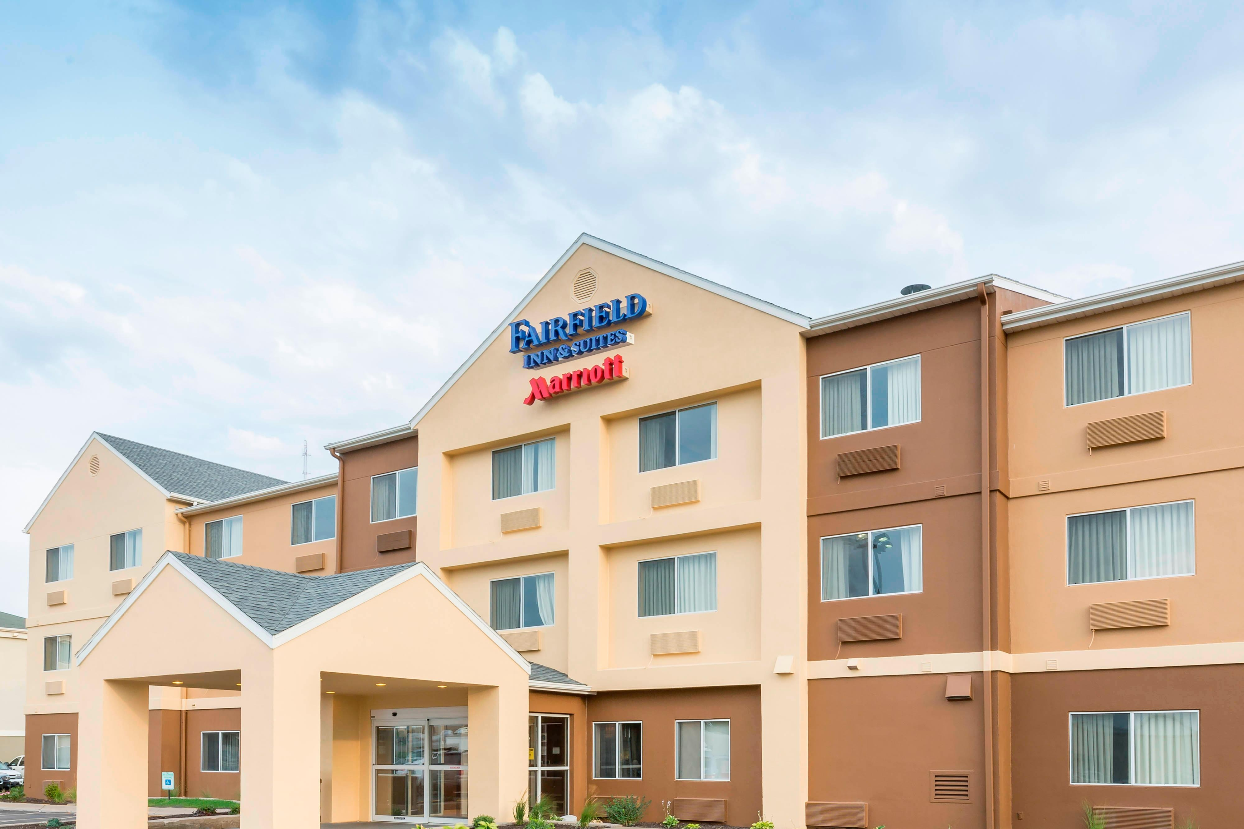 Exterior of the Fairfield Inn & Suites Lincoln