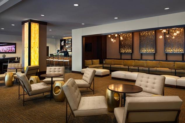 Lincoln Hotel Bar Area
