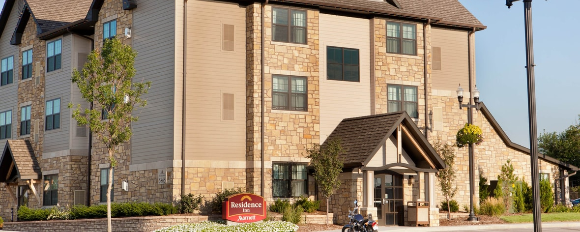 poi us lincoln and in i express holiday inn ne nebraska near suites hotels