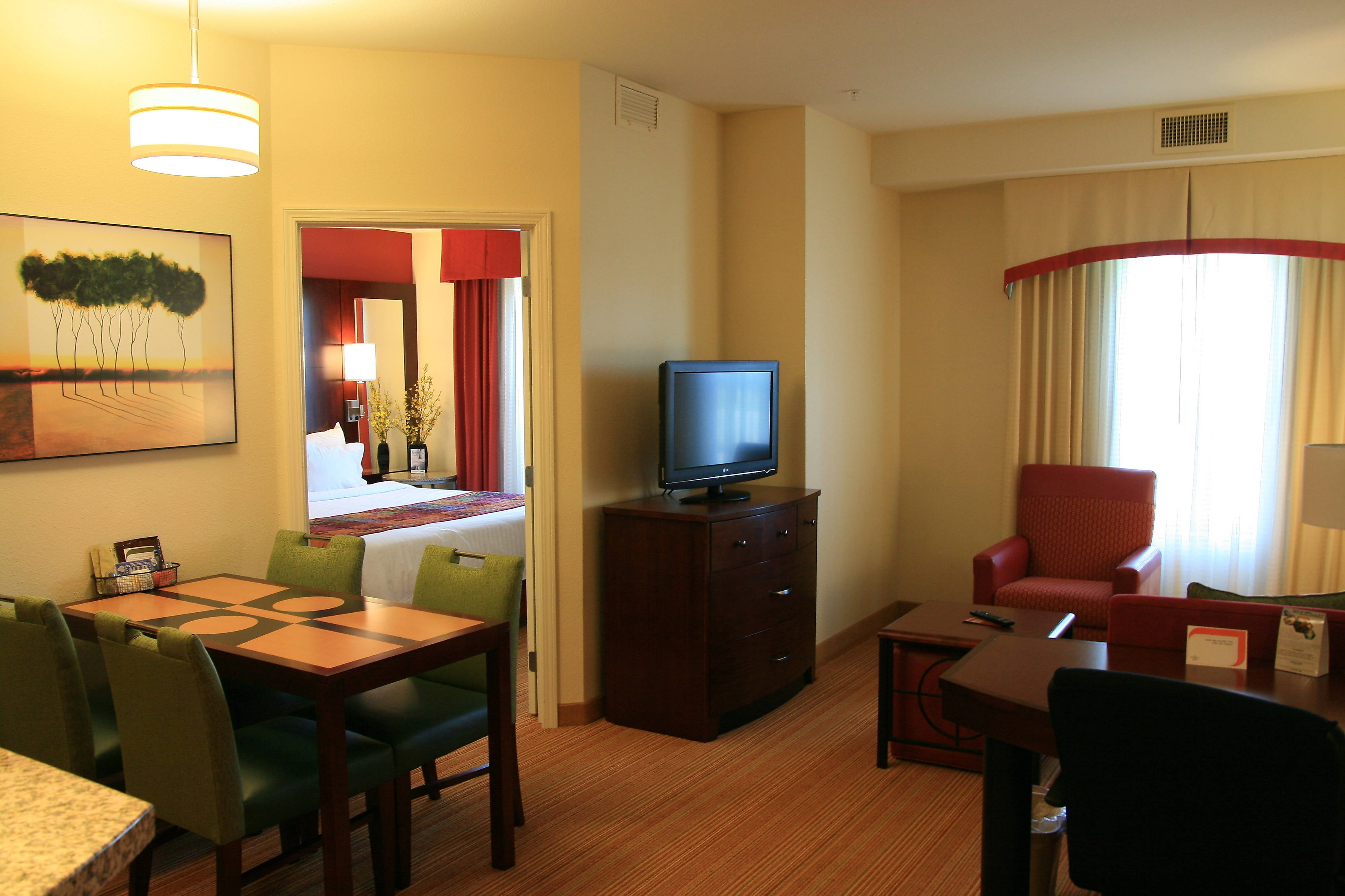 suites stay img extended ne reservations hotels dr lincoln pioneer woods candlewood previousnext