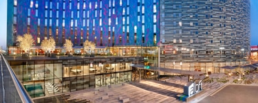 Отель Aloft London Excel