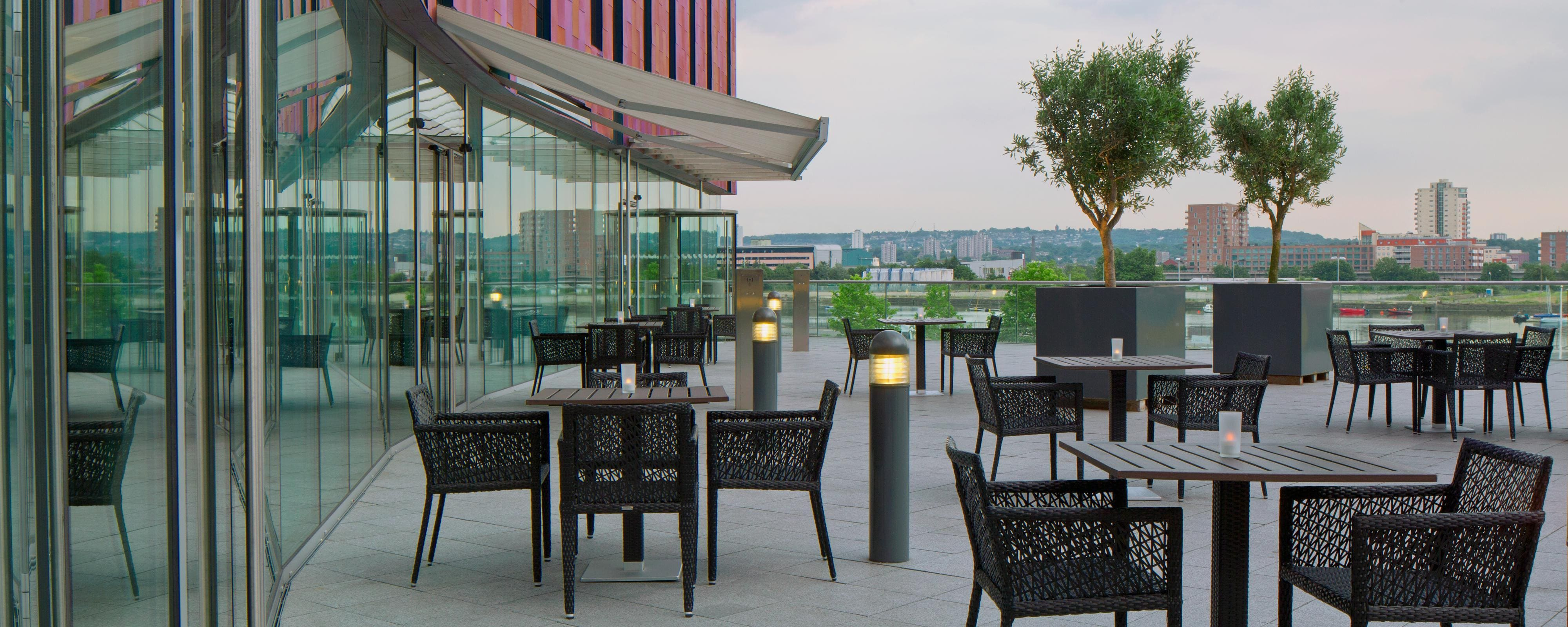 FEDE Restaurant Outdoor Terrace