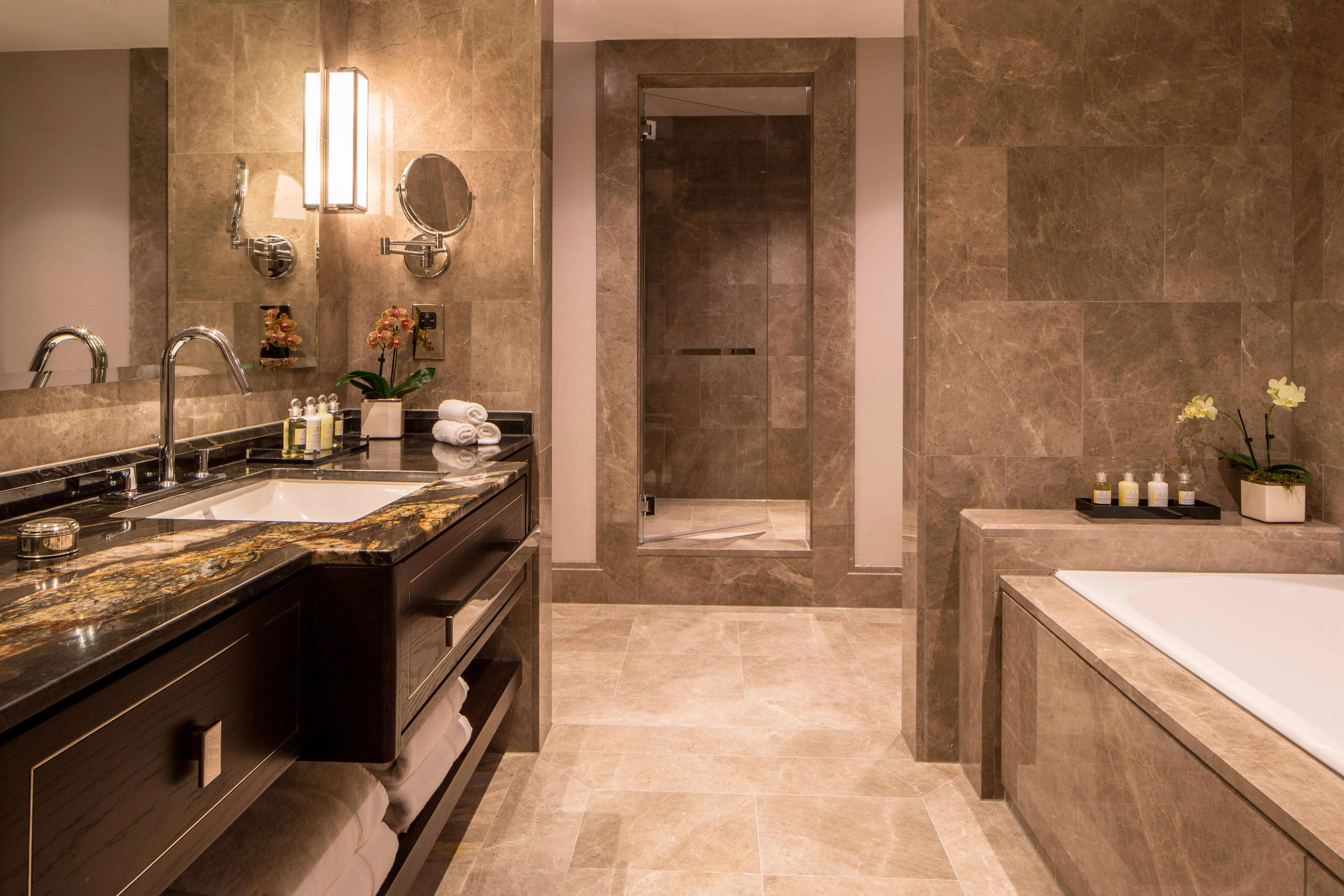 Premium Executive Suite Bathroom