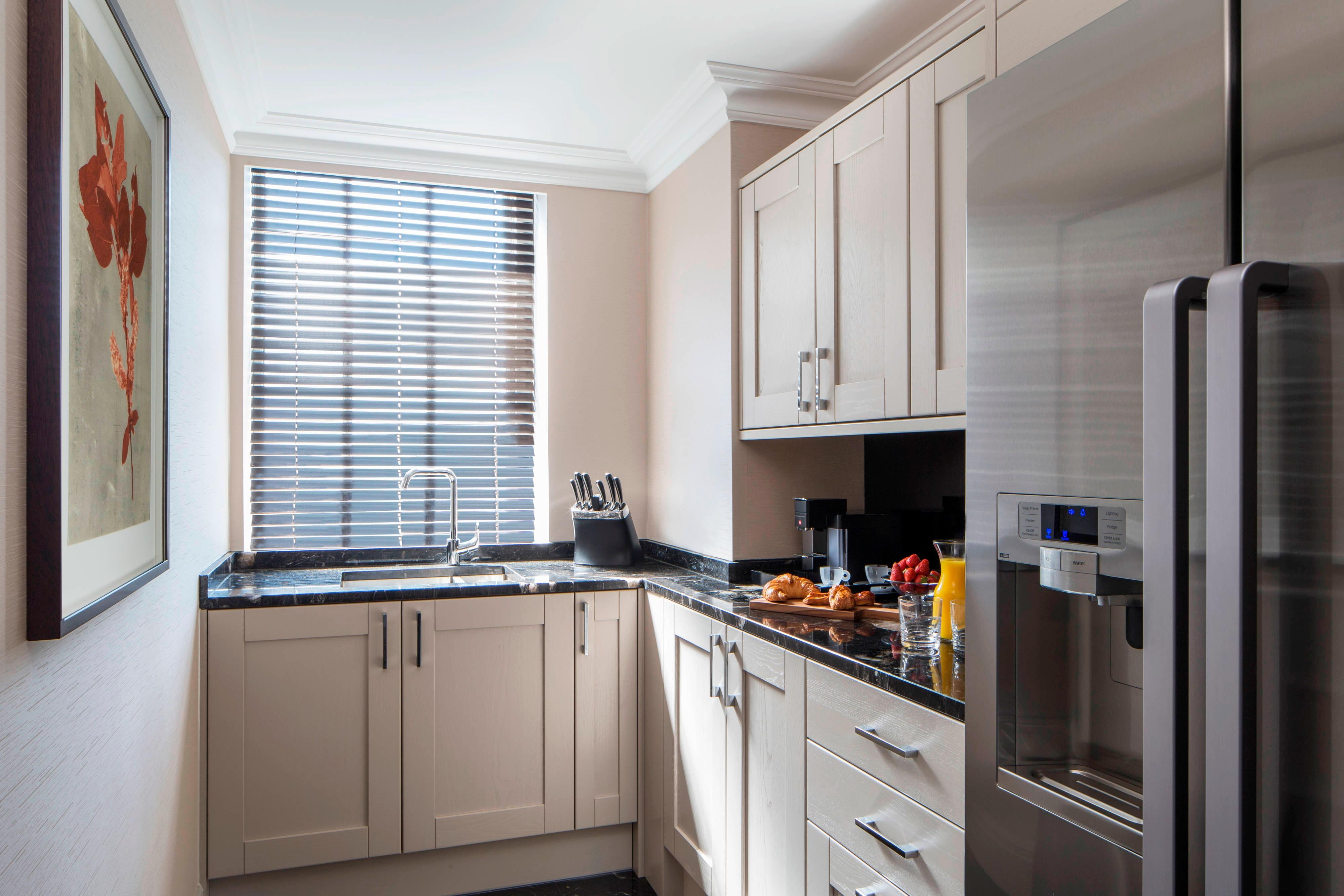 London Suite With Kitchen