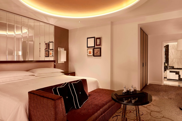(Grand) Park View Suite - King Bedroom