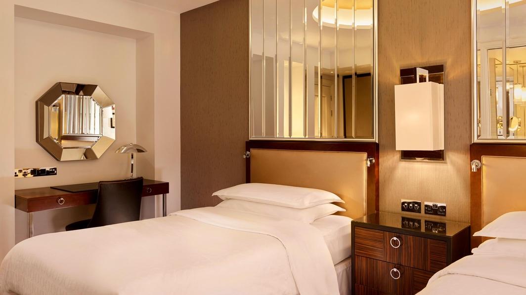 Chambre supérieure avec lits simples