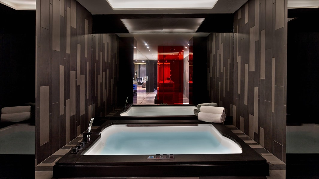 Extreme-Wow Suite Jacuzzi