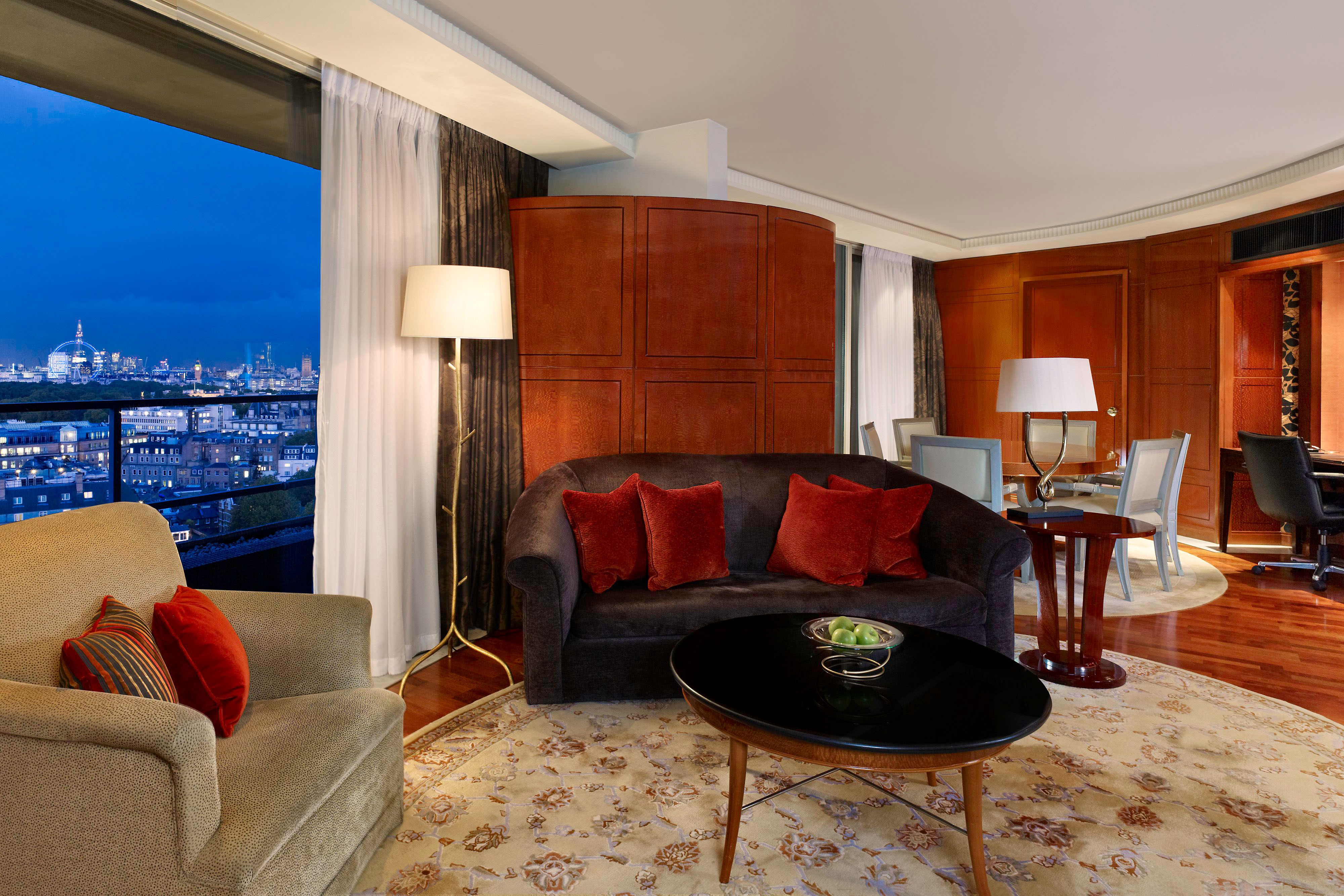 The Westminster Penthouse Suite - Living Room