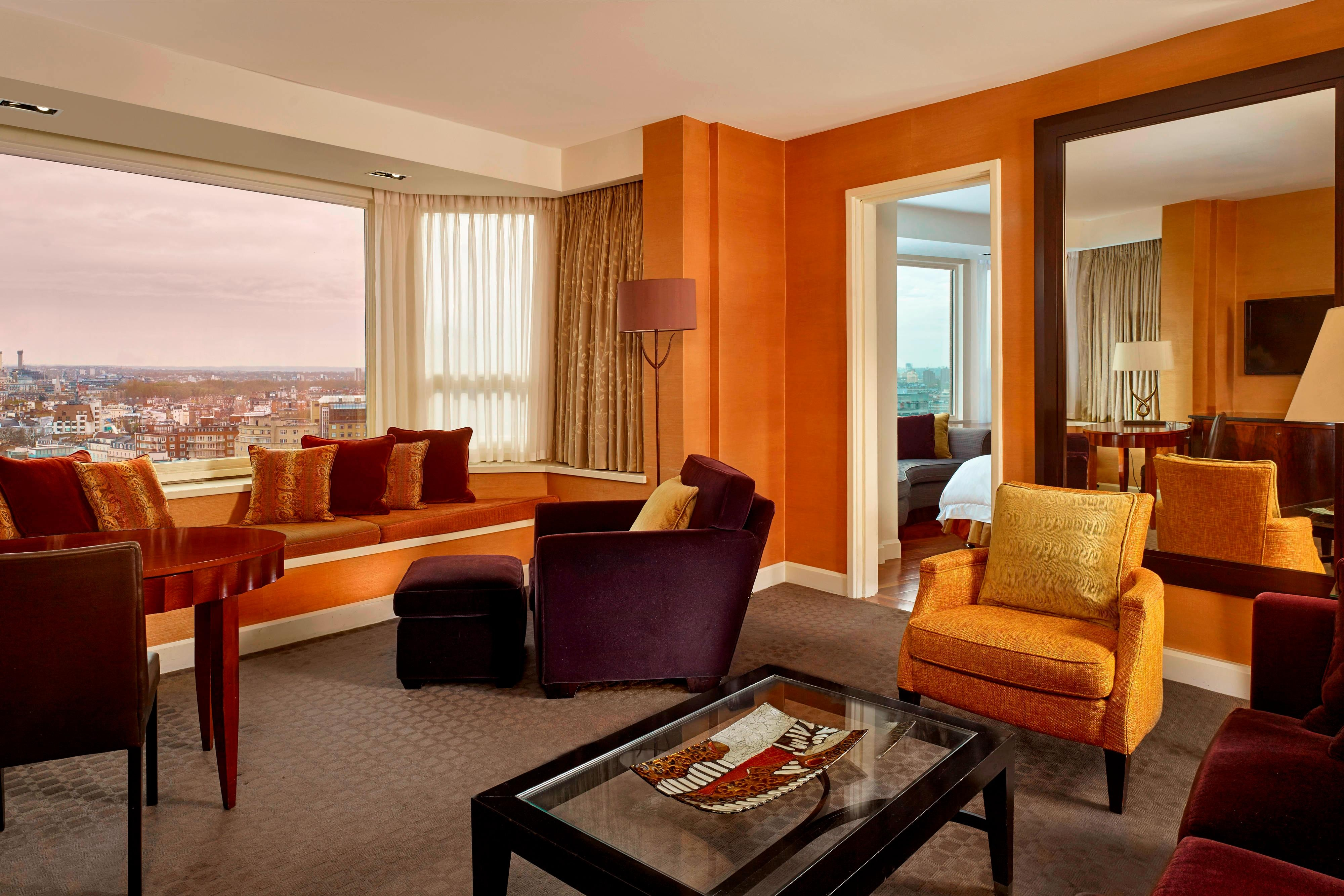 Panoramic Suite - Living Room