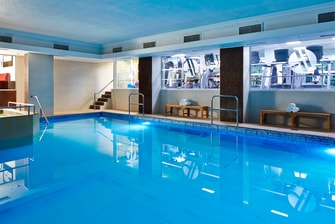 Piscina do hotel Marriott em Londres