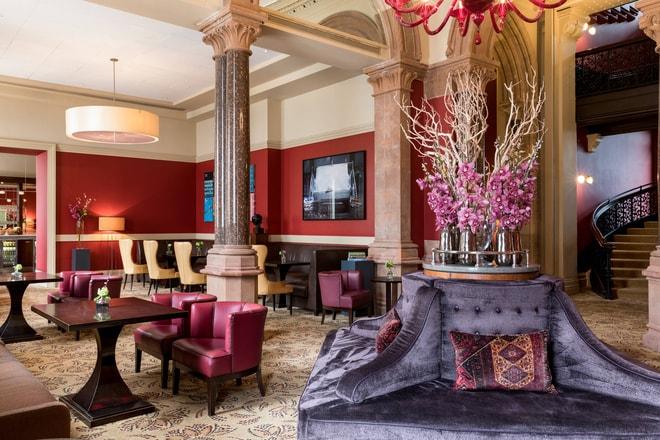 London Unique Hotel Room St Pancras Renaissance Hotel London