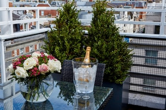 Berkeley Terrace Suite Flowers Amenity