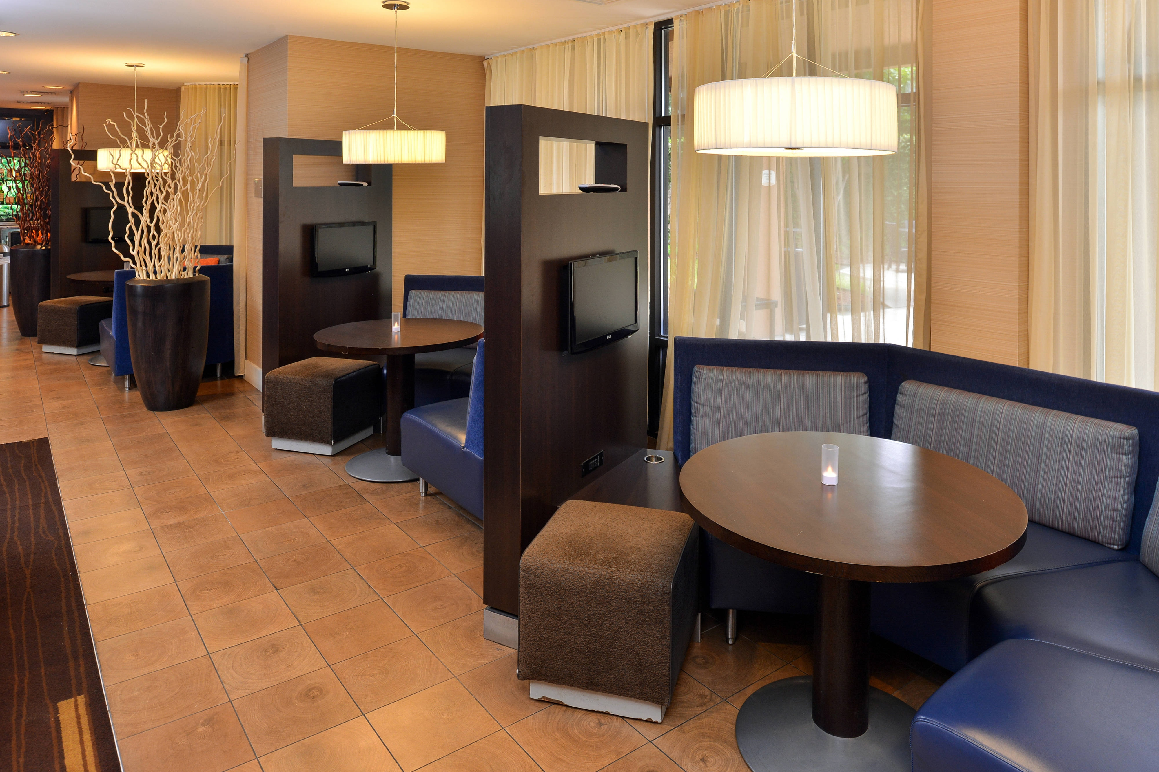 Courtyard by Marriott Laredo Media Pods
