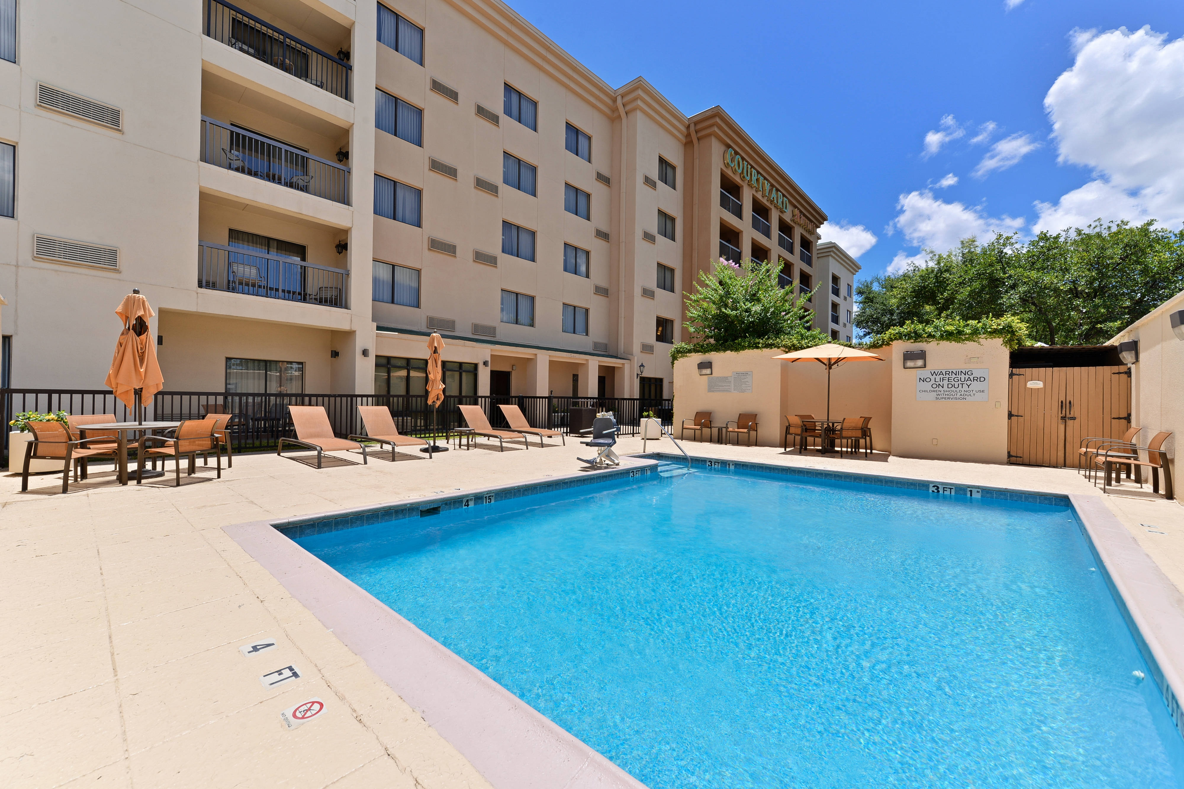 Courtyard by Marriott Laredo Outdoor Pool