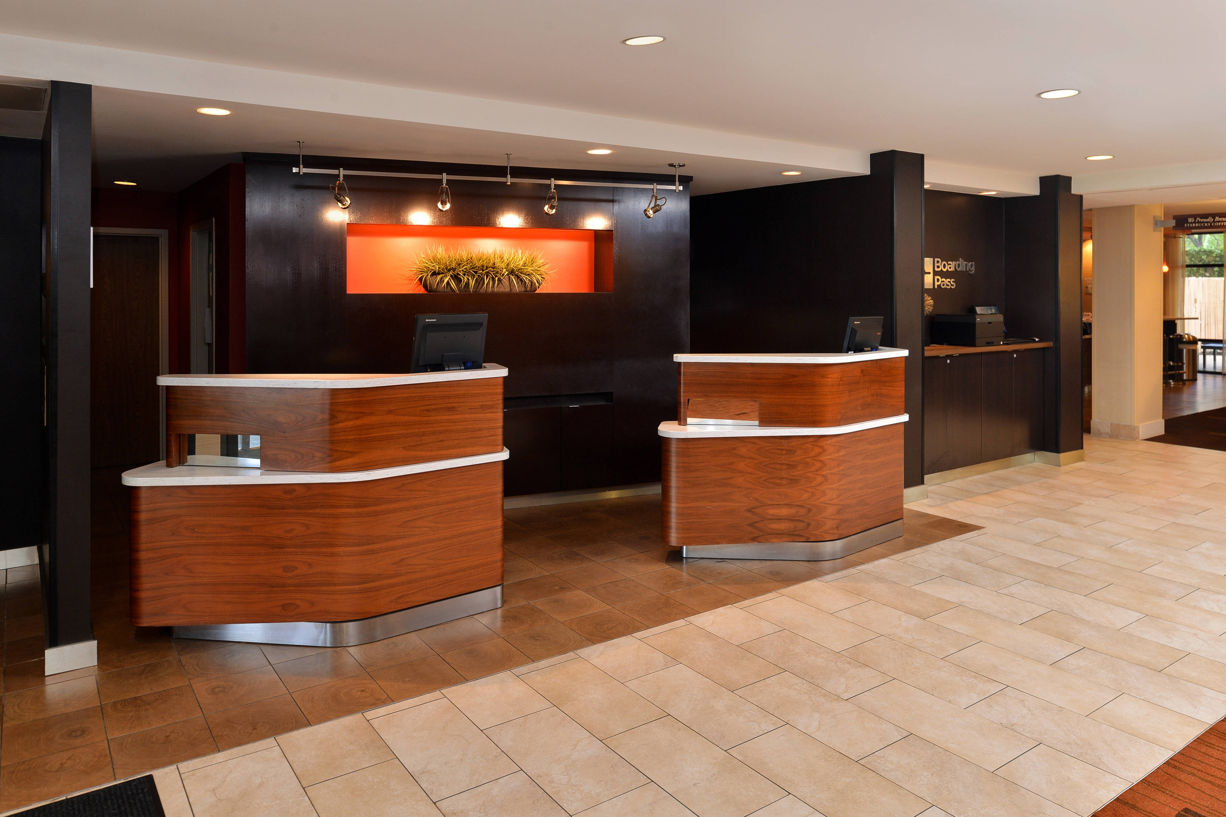 Courtyard by Marriott Laredo Welcome Pedestals