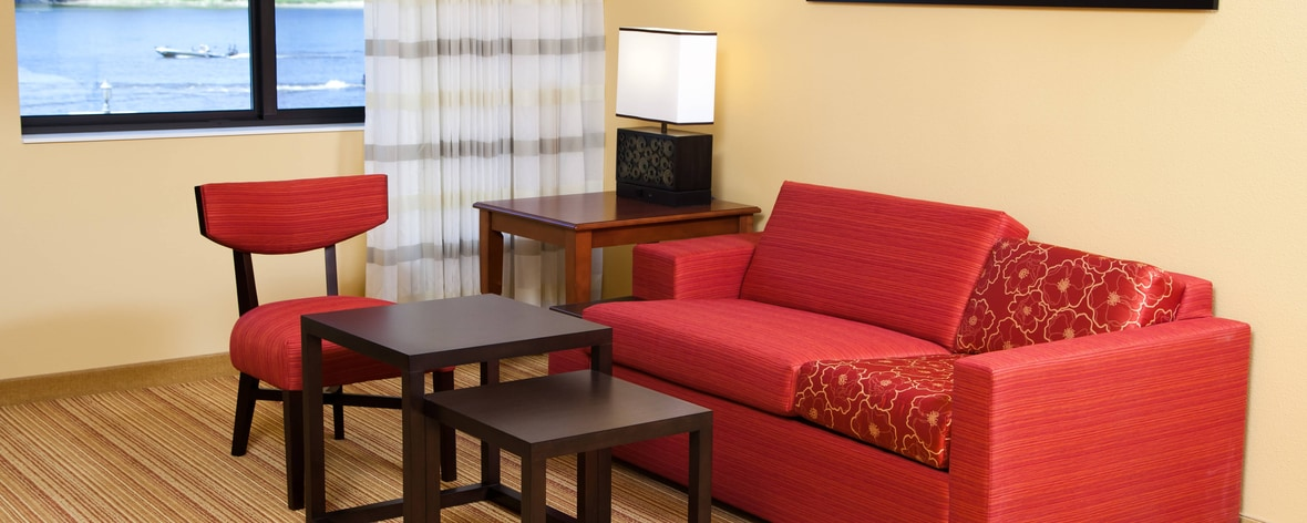La Crosse, WI, Hotel Located Downtown | Courtyard