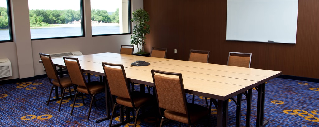 La Crosse Riverside meeting room