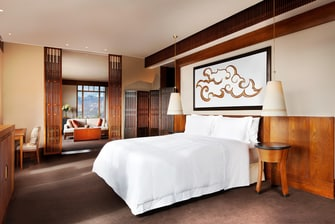 Everest Suite - Bedroom