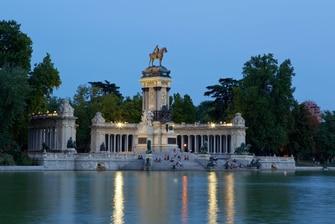 Monument à Alfonso XII - parc du Retiro