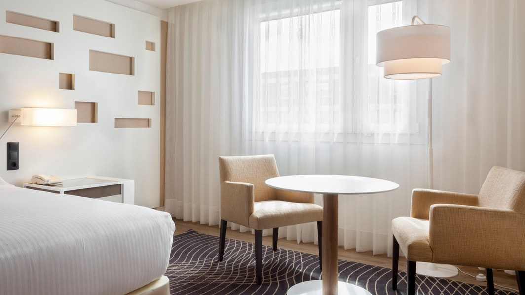 Premium Zimmer mit Kingsize-Bett – Madrid Marriott Auditorium