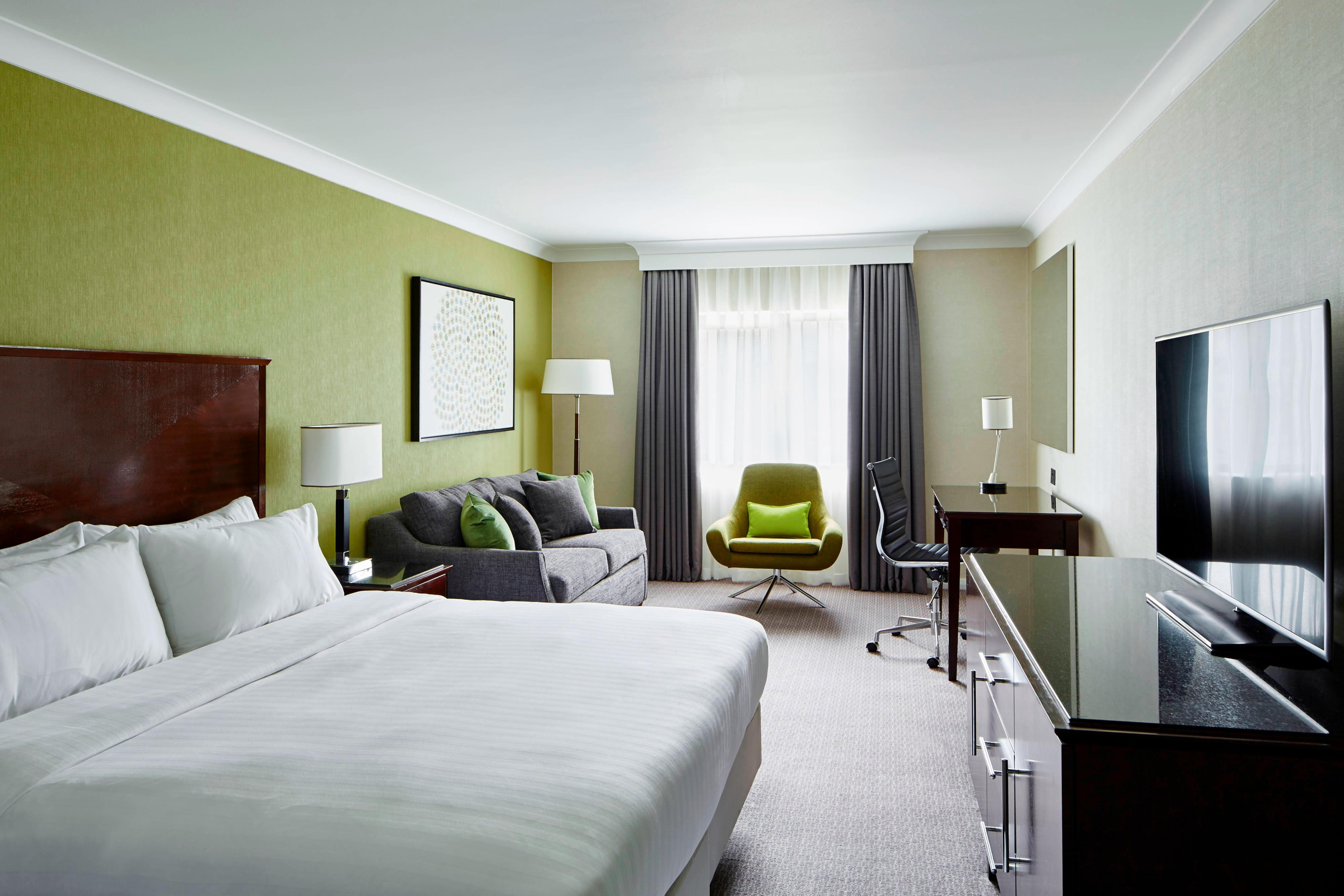 Manchester Airport Marriott Family Room