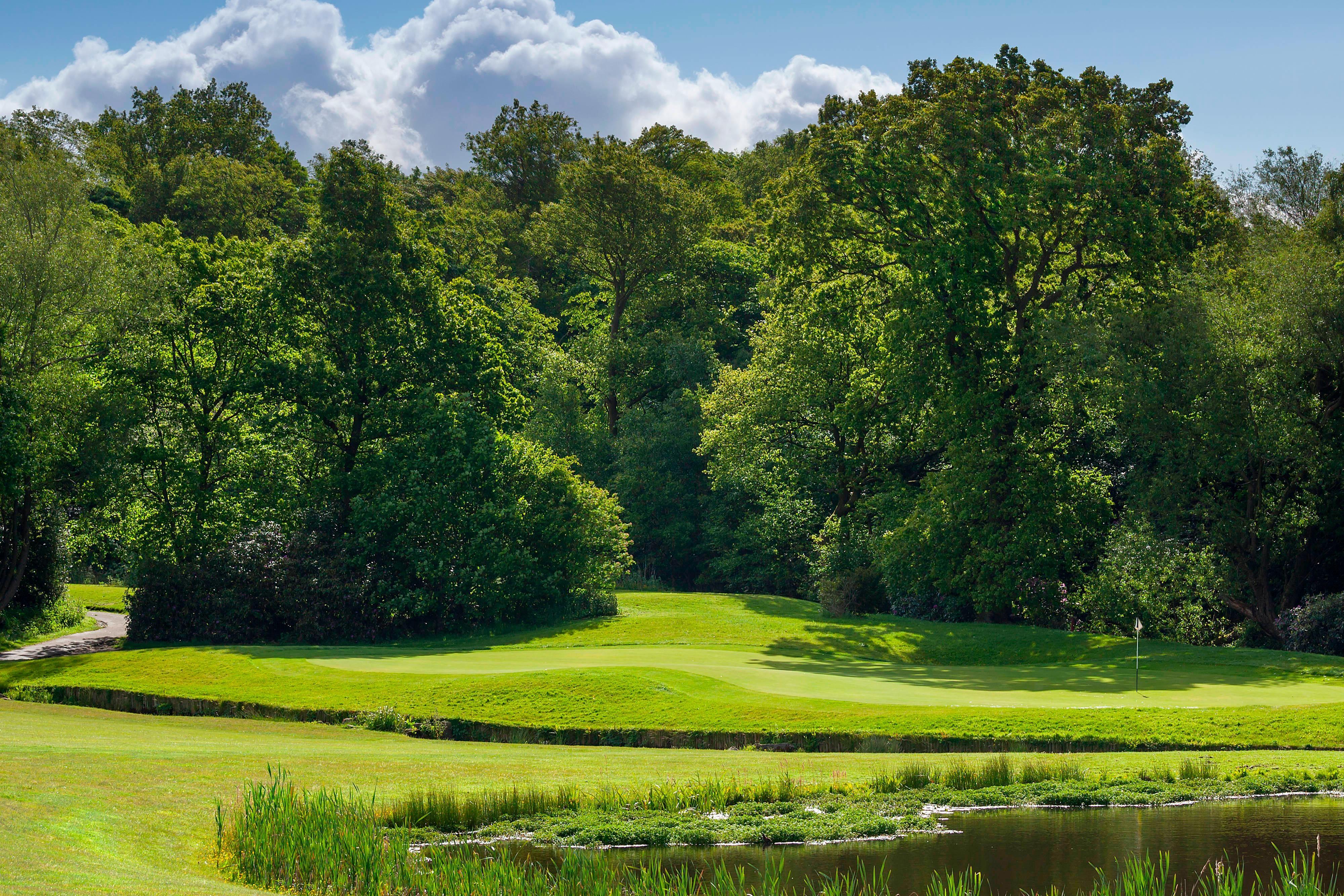 golf hotels manchester