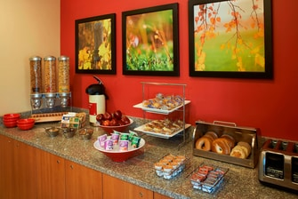 Saginaw hotel with free breakfast