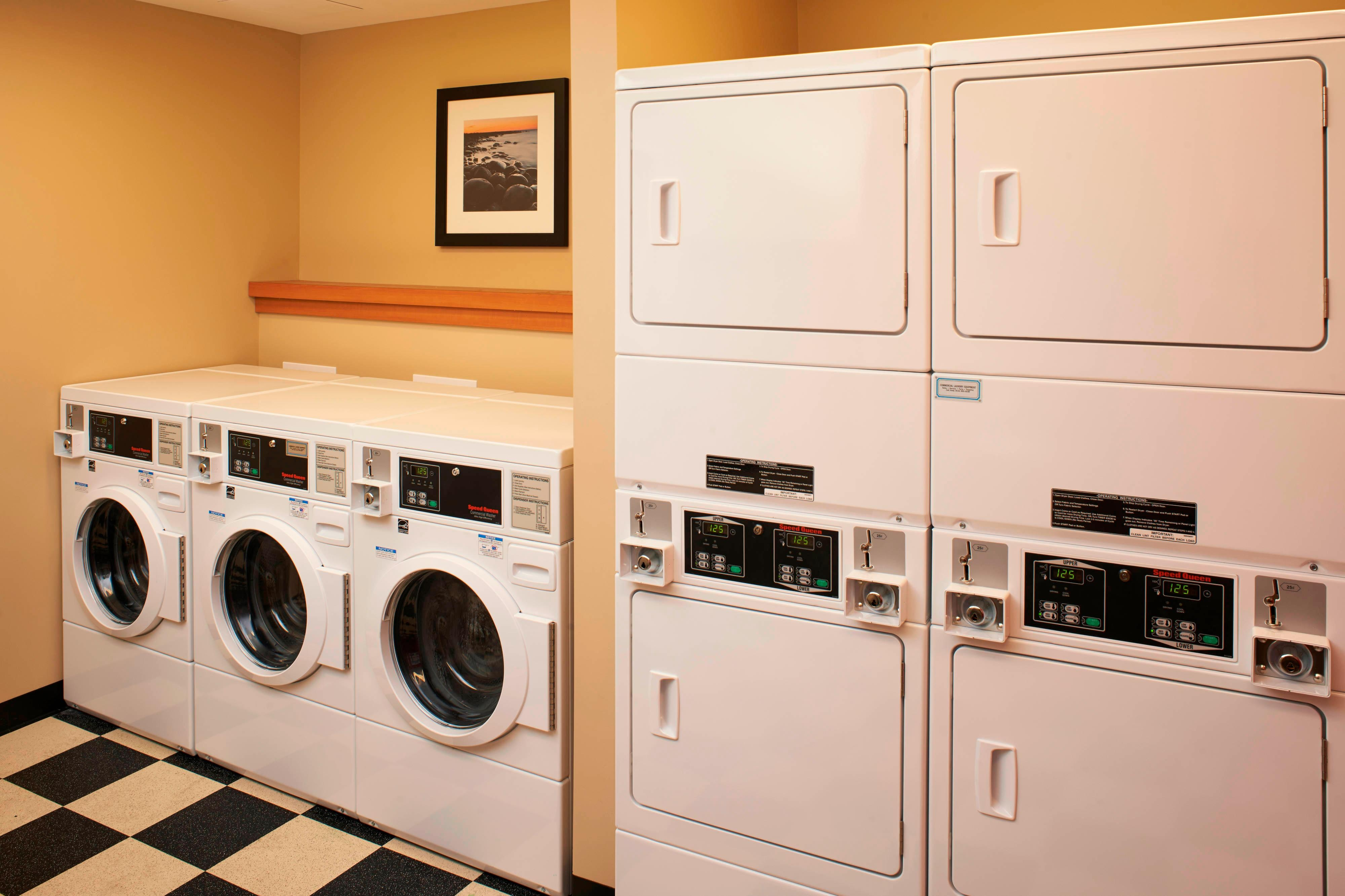 Saginaw hotel with laundry facilities