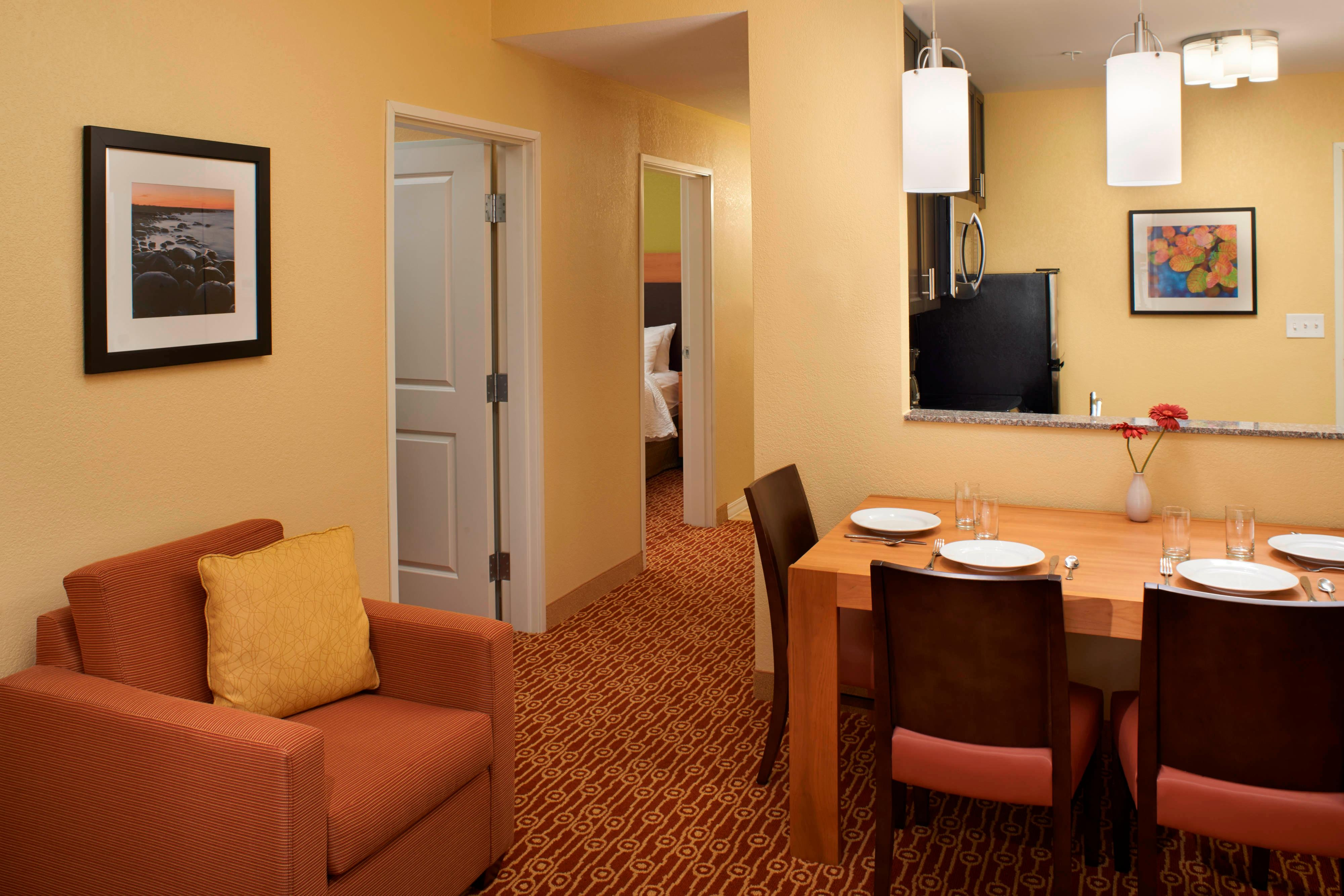 Extended stay suites Saginaw, MI